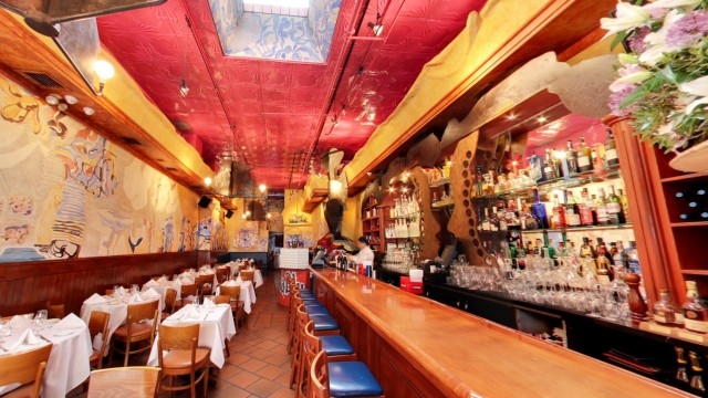 Bella Blu Ristorante, 967 Lexington Avenue,  New York,  NY 10021.