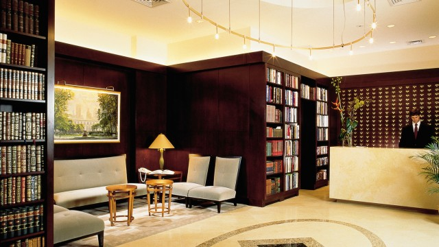 lobby-library-hotel-new-york-city-nyc