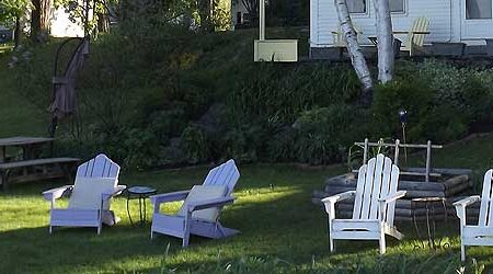 chairs-lawn